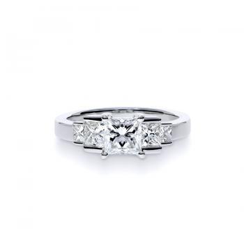愛之密語  鑽石戒指  / Whispering